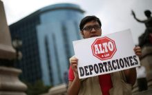 donald-trump-immigration-deportations-protest-mexico