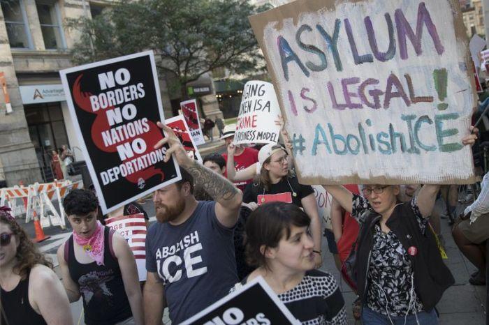 Aug. 2019 Immigration NY (Mary Altaffer:AP)